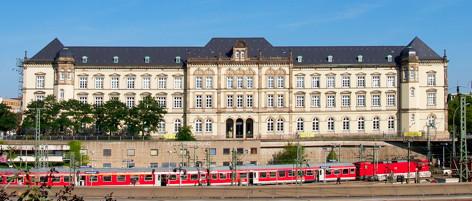 Hamburg ausstellung zum apple produktdesign ffnet heute for Produktdesign hamburg